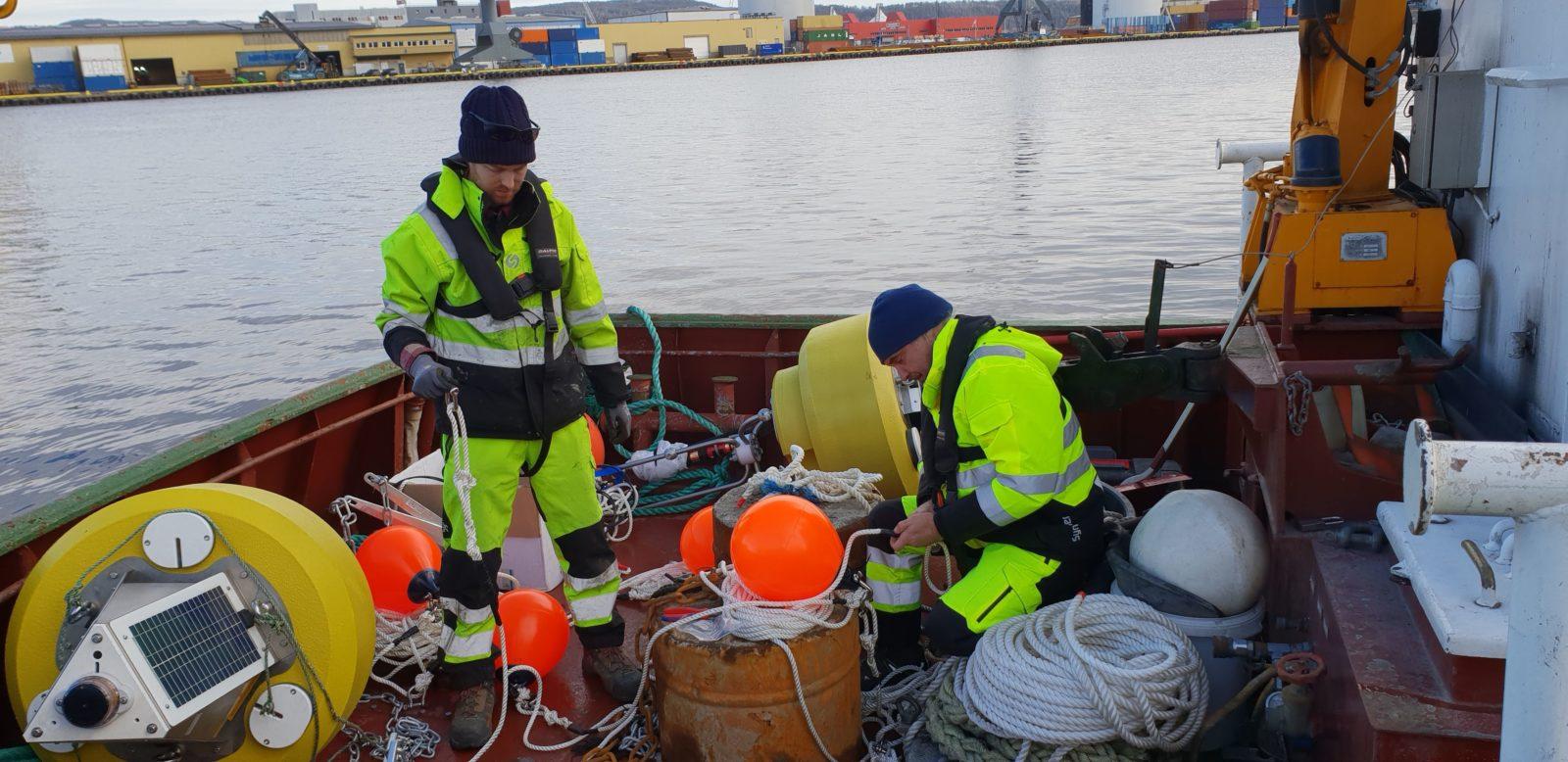 Mike Voellmecke og David A. Benton på Drammen Havn.
